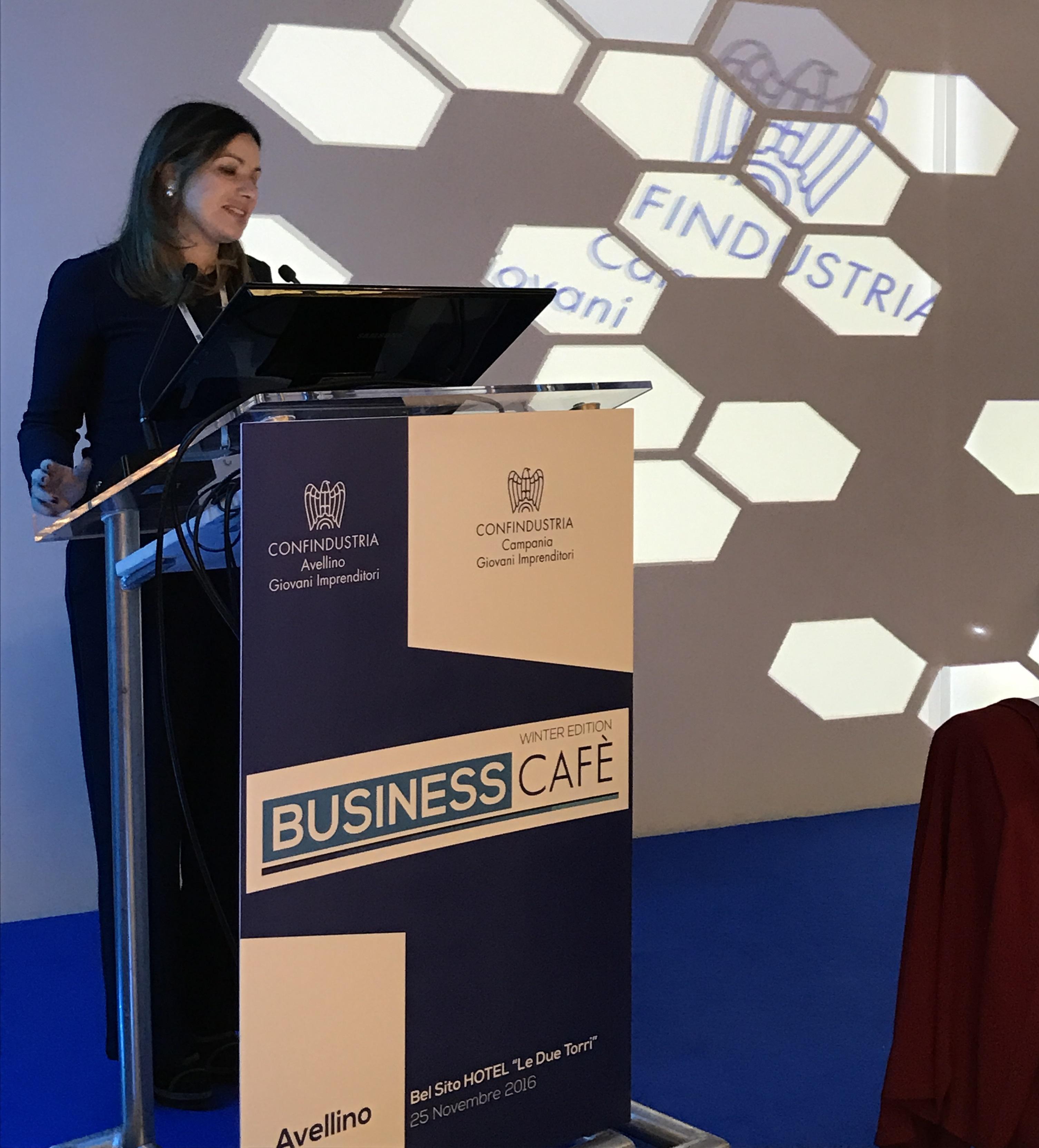 La Presidente dei GGI Campani, Nunzia Petrosino, introduce i lavori